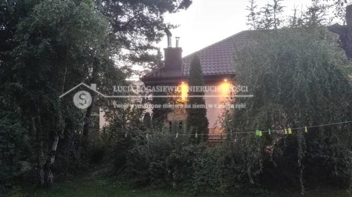 Sprzedam piękny dom w Warszawie.