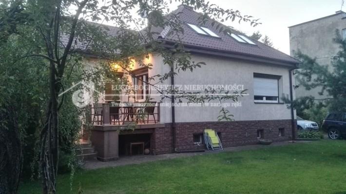 Atrakcyjny dom na sprzedaż w Pruszkowie.